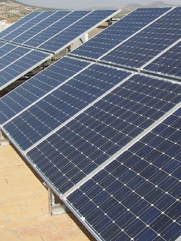 La Junta da viabilidad a dos nuevas plantas fotovoltaicas en Tabernas y Turrillas (Almería)