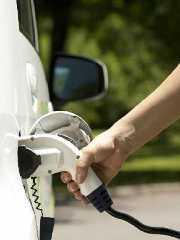 Usar la climatización en un coche eléctrico puede reducir hasta un 20% su autonomía