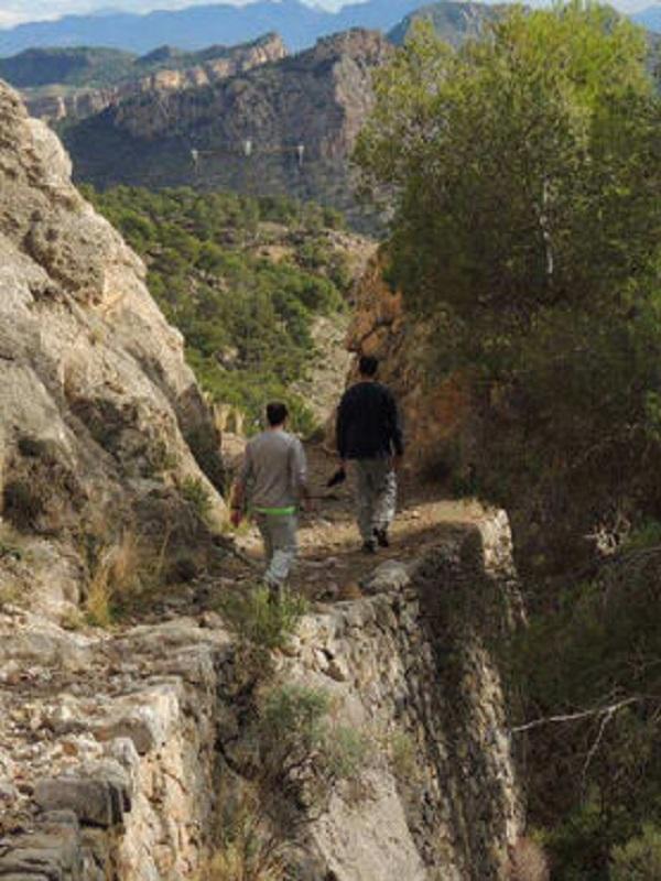 Murcia aprueba una ley que regula los senderos señalizados de la Región