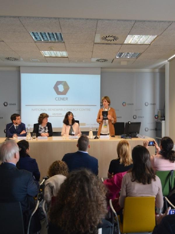 Visita de una delegación de Bulgaria y representantes de JRC a la sede de CENER