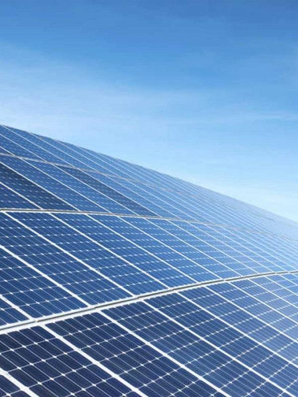 Preparado para cumplir los objetivos del Plan Nacional Integrado de Energía y Clima el sector fotovoltaico español