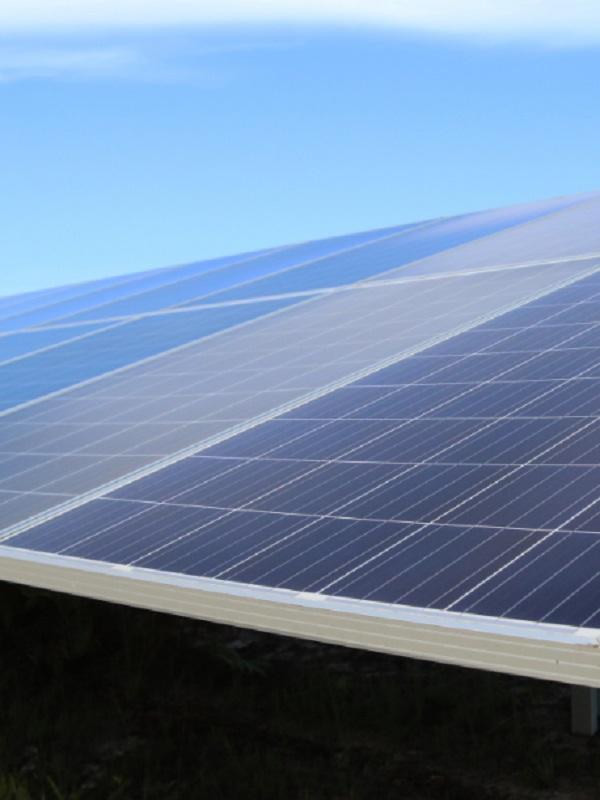 Un marco regulatorio estable para las plantas fotovoltaicas es vital para recuperar la imagen de seguridad jurídica y atraer socios inversores