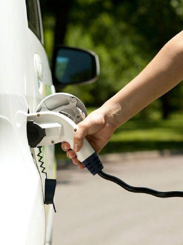 Cádiz, 18 pequeños municipios firman convenio para adquirir 22 vehículos eléctricos