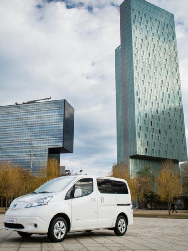 Nissan aumentará la producción de la furgoneta eléctrica e-NV200 en su planta de Barcelona