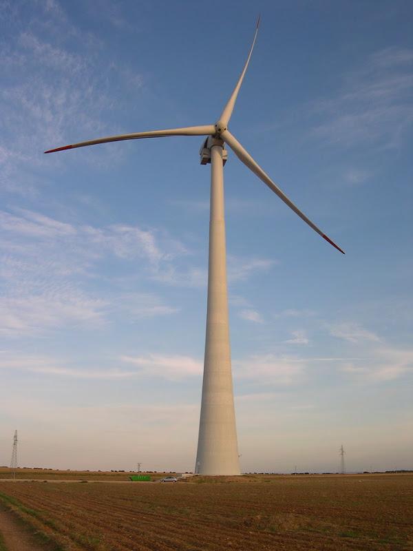 Endesa comienza la construcción de tres parque eólicos en Teruel