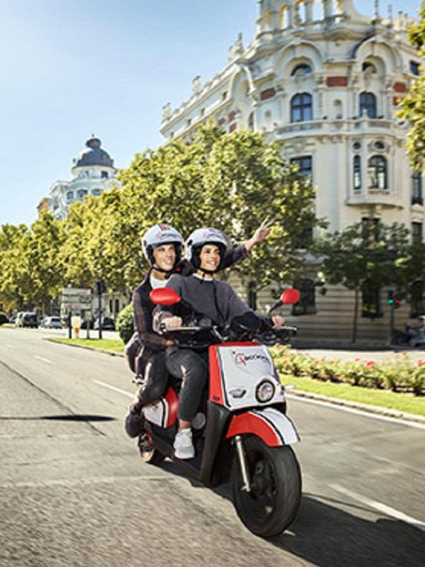 Acciona desplegará más de 500 motos eléctricas en Valencia