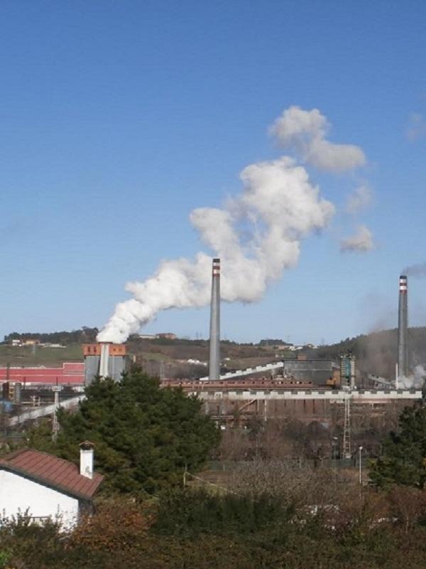 Hasta diluviando se dispara el cancerigeno benceno en Oviedo
