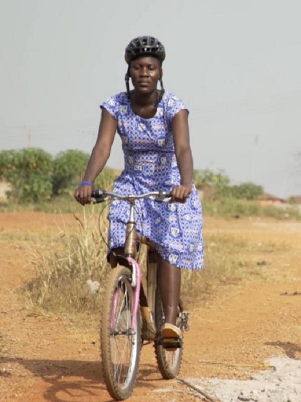 La historia de cómo unas bicicletas de bambú cambiaron una pequeña comunidad de Ghana