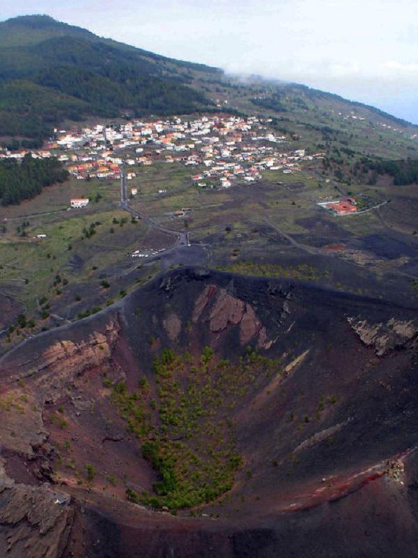 Un proyecto busca un nuevo sistema de alerta temprana para volcanes europeos