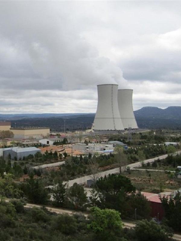 Cerrar todas las centrales nucleares antes del año 2024