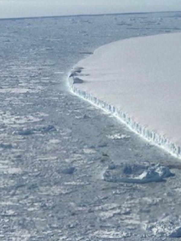 Una cavidad gigante confirma la desintegración de un glaciar antártico