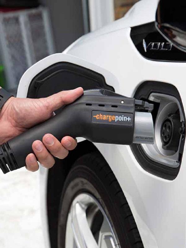 Aragón repartirá en tres años las ayudas al coche eléctrico del Moves