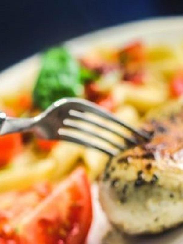 Cincuenta europeos enferman por alimentos contaminados cada minuto