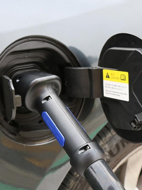 El Ayuntamiento de Málaga instala cargadores para vehículos eléctricos en toda la red de aparcamientos municipales