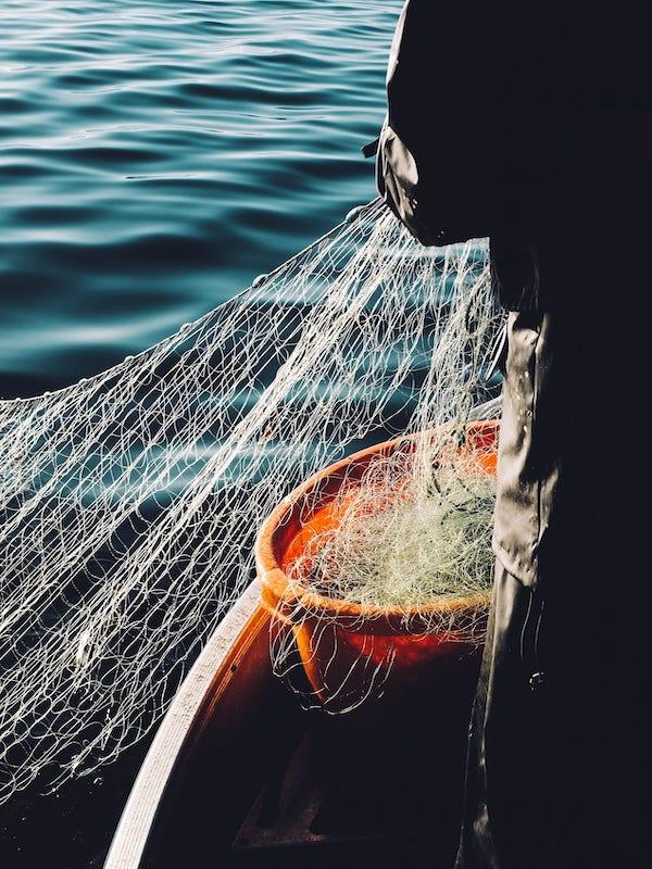 Travesía estival en el Cantábrico contra la turistificación y por una pesca sostenible