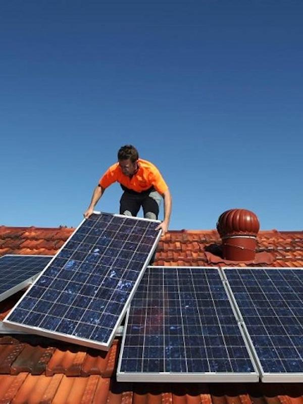 Baleares recibe más de 1.000 peticiones para instalar placas fotovoltaicas en lo que va de año