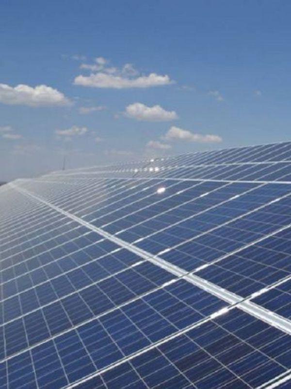 Endesa pone en marcha cursos de formación para operar en las plantas renovables que está construyendo en Aragón