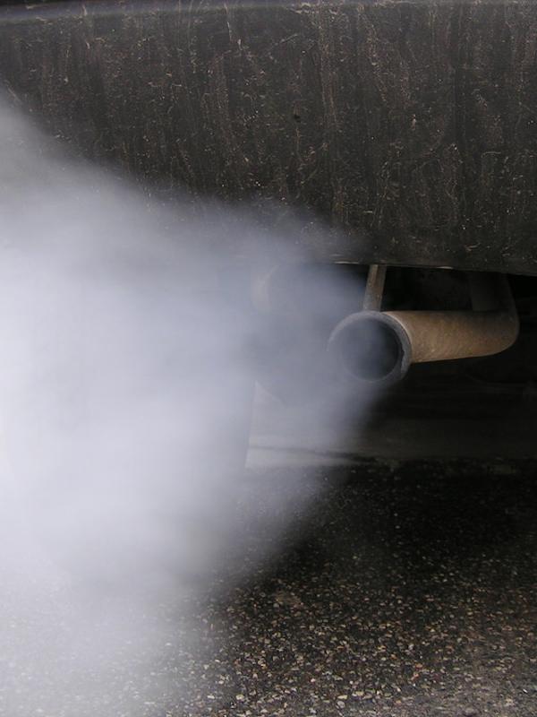 Las emisiones medias de CO2 de los coches nuevos aumentan en Europa