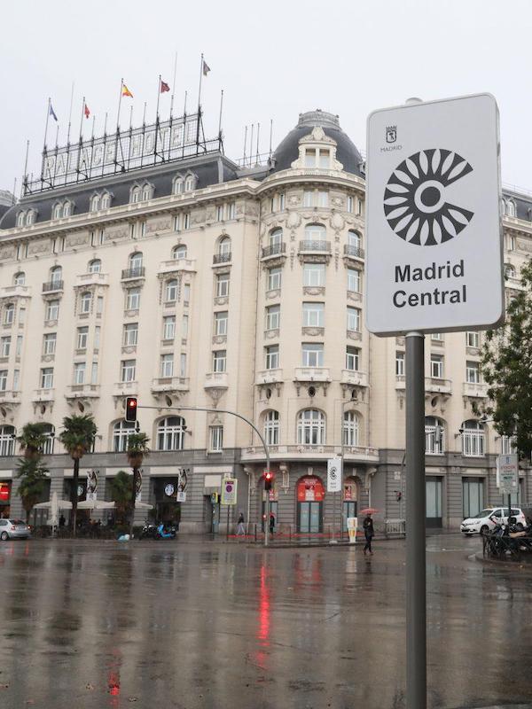 La OMS, una ministra, Javier Bardem, Amaral y hasta Toni Roldán defienden que Madrid Central se quede
