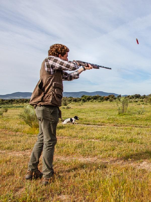 VOX se cubre de gloria prometiendo poder cazar en los Parques Nacionales