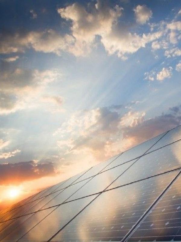 Instalan 72 paneles de energía solar fotovoltaica en el edificio principal del Puerto de La Luz y de Las Palmas