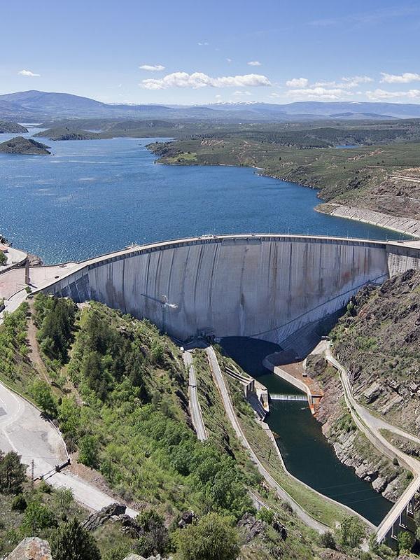 Las presas en ríos interiores dejan su rastro destructivo en la costa