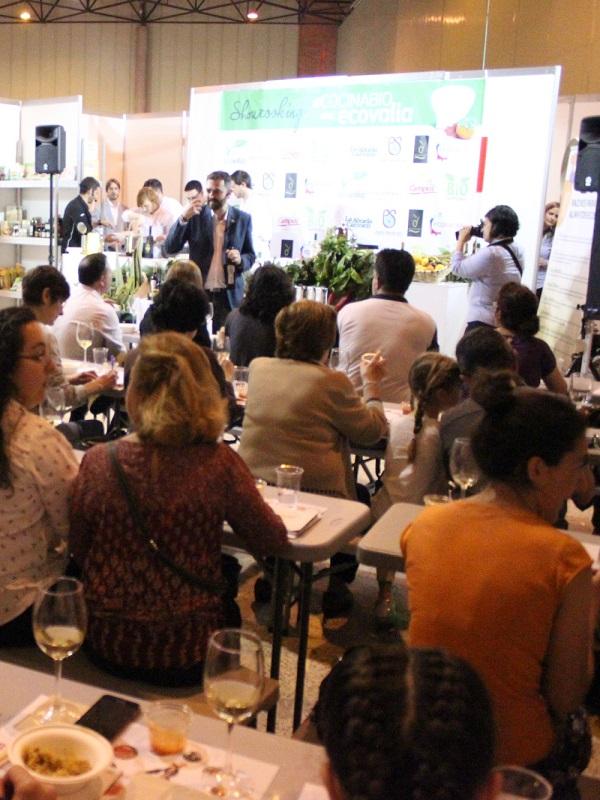 Cata sensorial  de vinos ecológicos en el espacio showcooking de BioCultura Sevilla 2019 (FIBES)