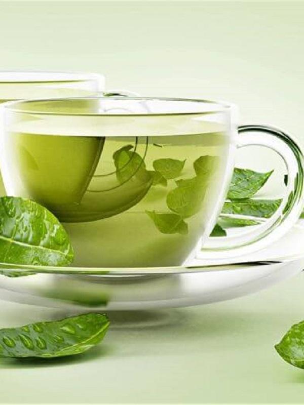 Es cierto que el té verde combate el sobrepeso, pero la cantidad que tienes que tomar no te gustará