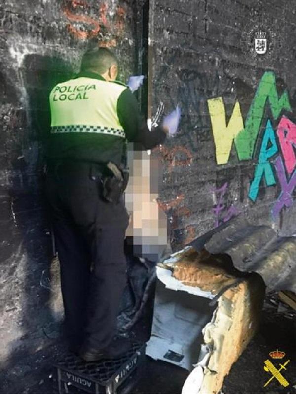 Detenido el propietario de un galgo que apareció ahorcado en una nave abandonada de Badajoz