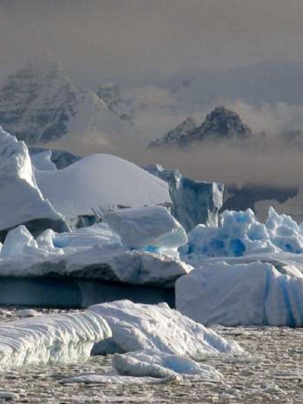 Actividad sísmica nocturna incesante en la plataforma de hielo antártica
