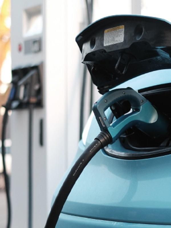 València tendrá cargadores para coches eléctricos abastecidos con energía del agua de las tuberías