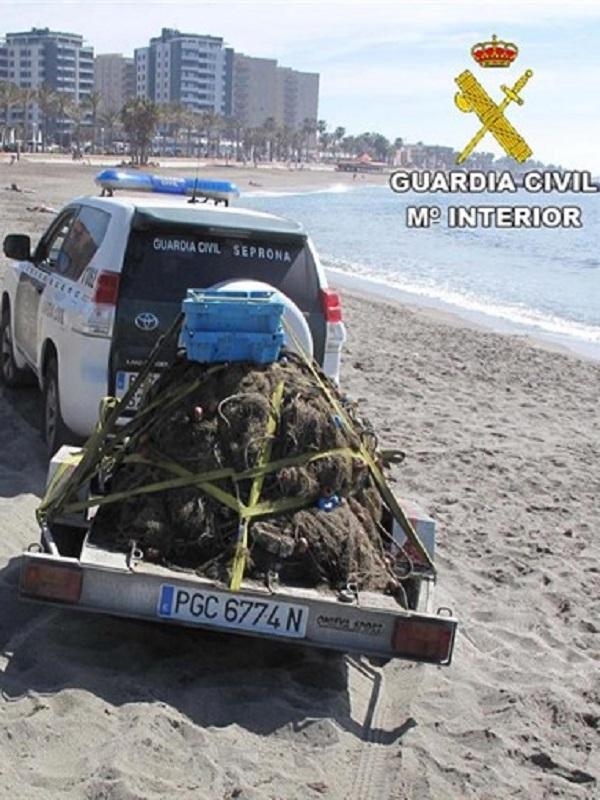 La Guardia Civil de Almería interviene más de 500 kilos de pescado sin trazabilidad y 75 paños de redes de trasmallo