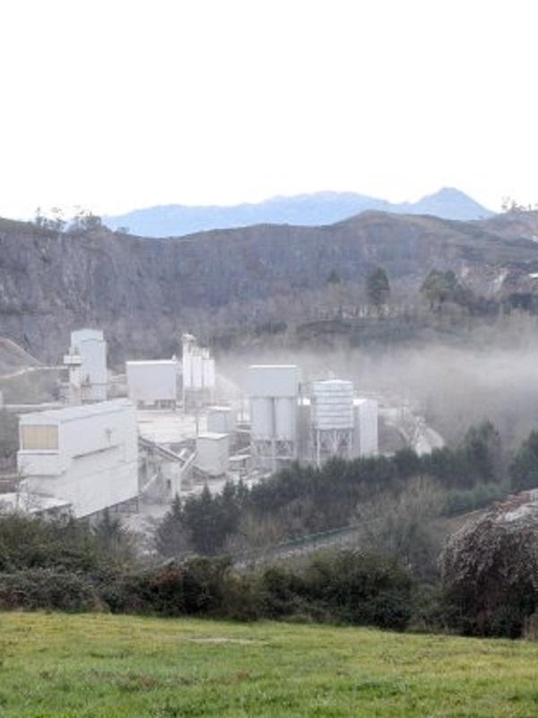 Polvo cantera la Belonga en Oviedo