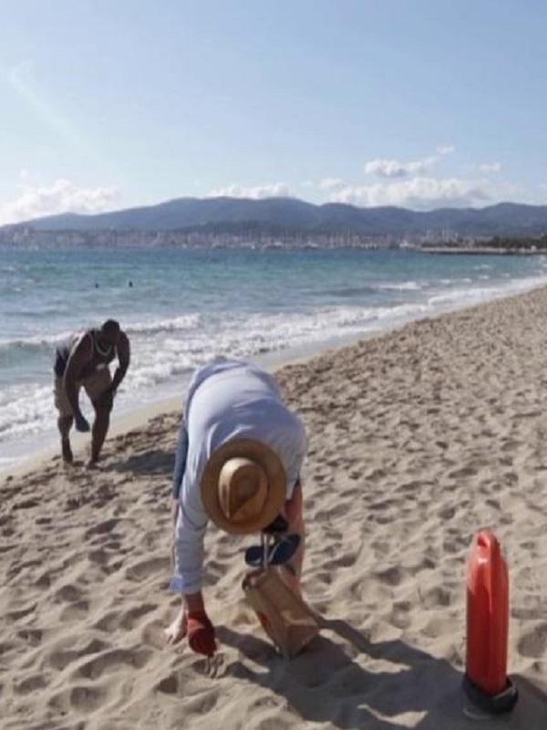 Voluntarios del GOB participan en la jornada de limpieza del tramo de litoral entre Son Serra de Marina y Son Real