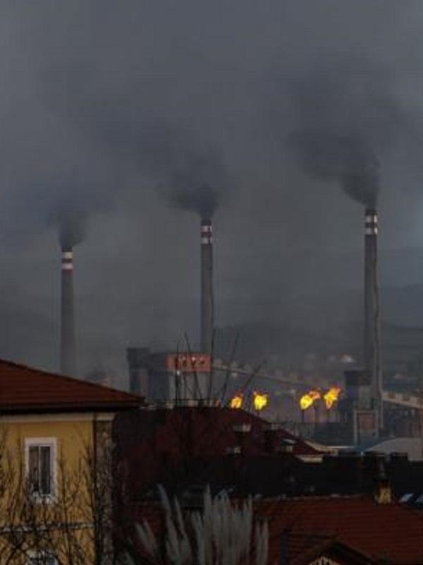 El Principado de Asturias sanciona lo mínimo a Arcelor a pesar de la gravedad de sus emisiones
