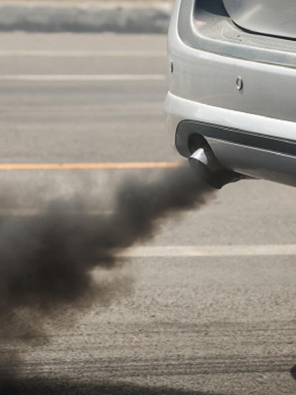 Ecologistas pide al Gobierno que suba el impuesto de matriculación y circulación porque los coches nuevos emiten más CO2