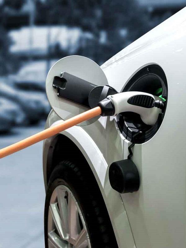 Proponen un IVA reducido del 10% para el coche eléctrico