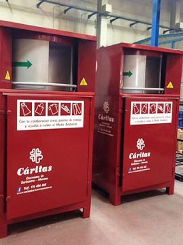 Zaragoza implementa 200 nuevos contenedores de reciclaje textil en los barrios