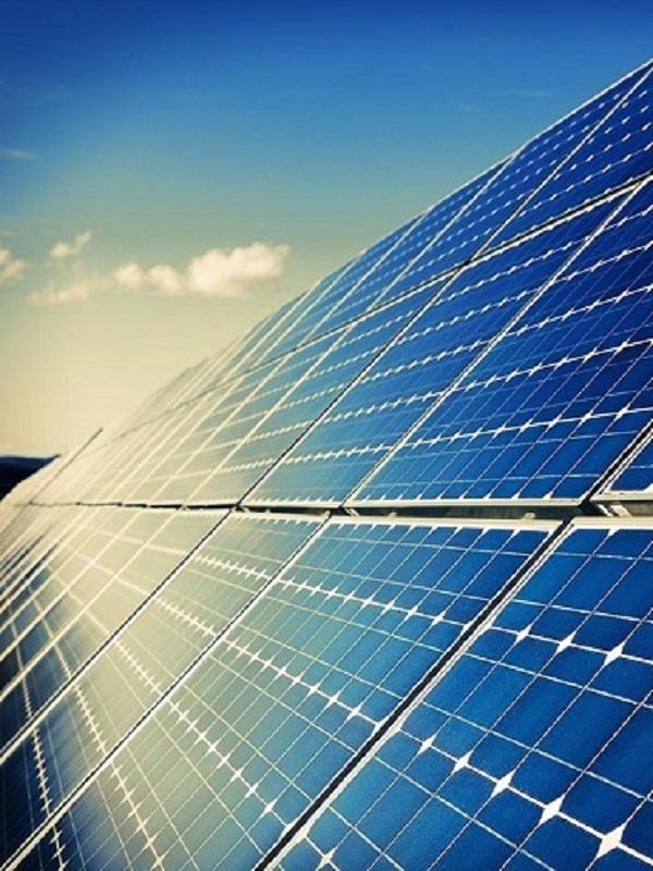 Propuestas de acciones de formación para crear empleo en plantas fotovoltaicas de Andalucía