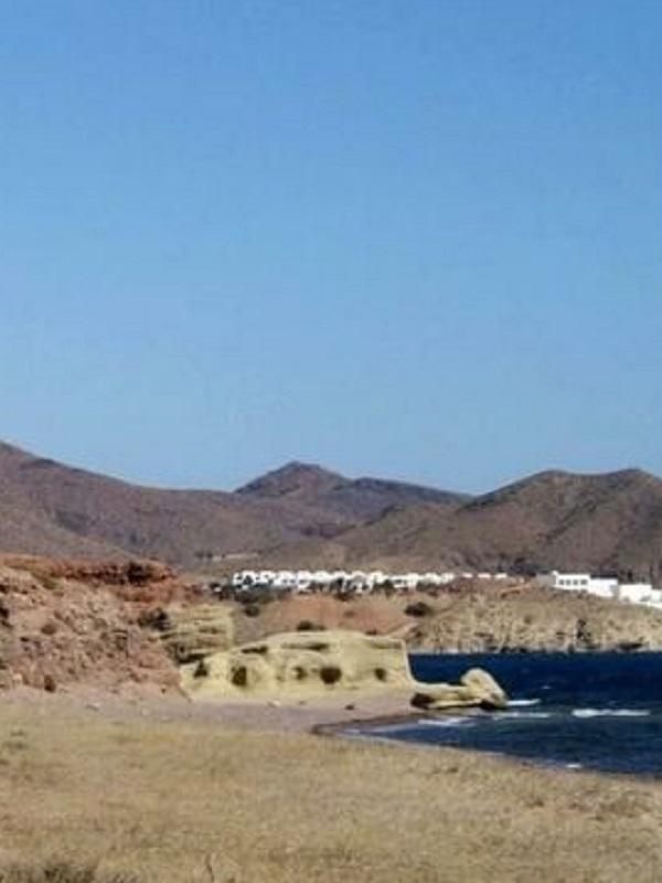 Andalucía elabora un estudio de suelo y aguas para saber si los vertidos de la planta de biodiésel de Almería contaminaron