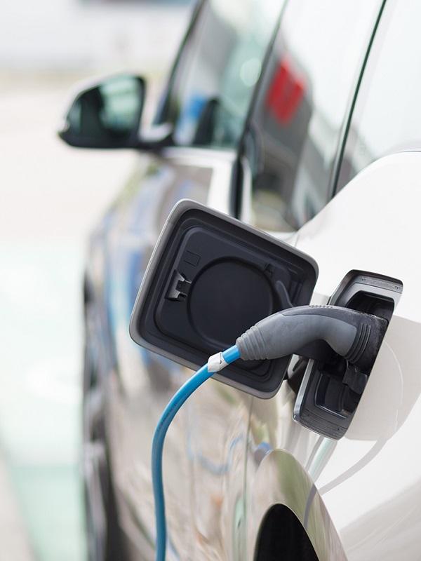 Cataluña convoca las ayudas al coche eléctrico del Moves