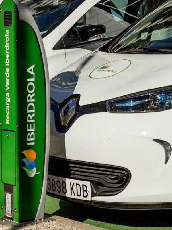 Iberdrola amplía su despliegue de la recarga rápida en estaciones de servicio con Ballenoil
