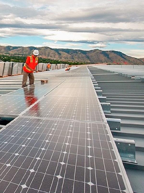 Zaragoza. Podemos-Equo promoverá la instalación de placas solares en las comunidades de propietarios