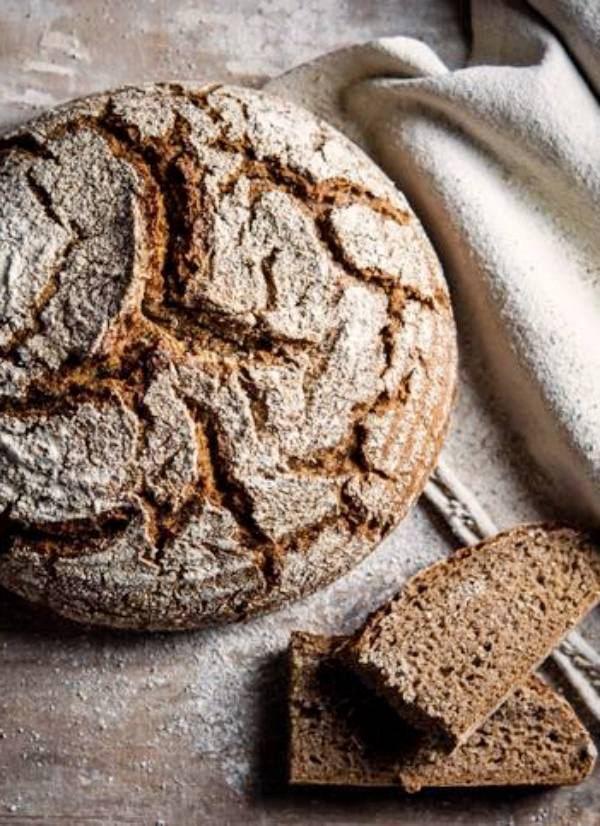 Pan de centeno integral, mucho más saludable que la harina de trigo refinada