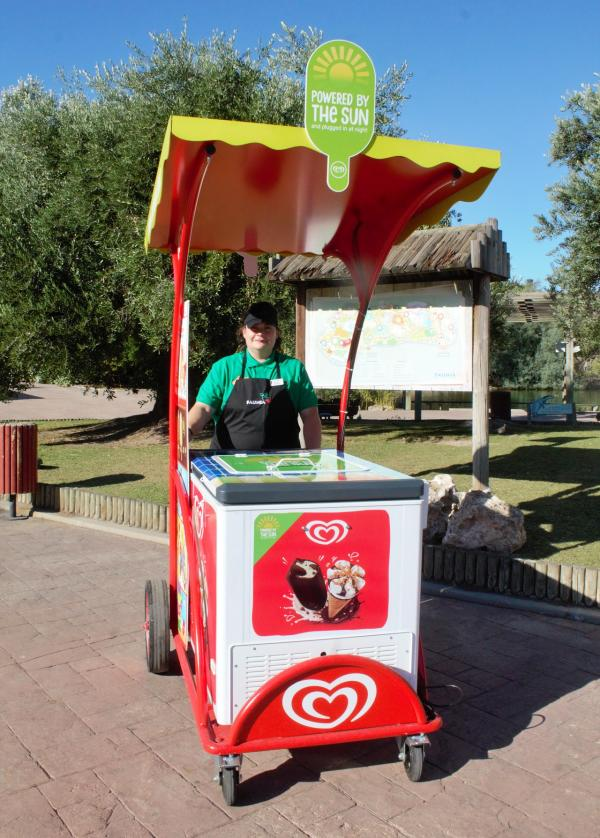 Carritos de helados que utilizan energía solar para refrigerar los productos