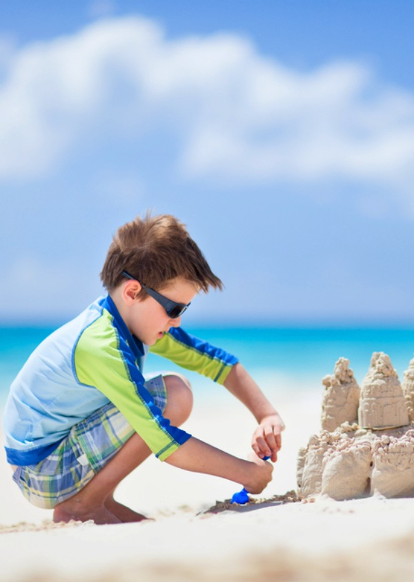 Te ayudamos a que la piel de tus hijos pequeños no sufra en verano