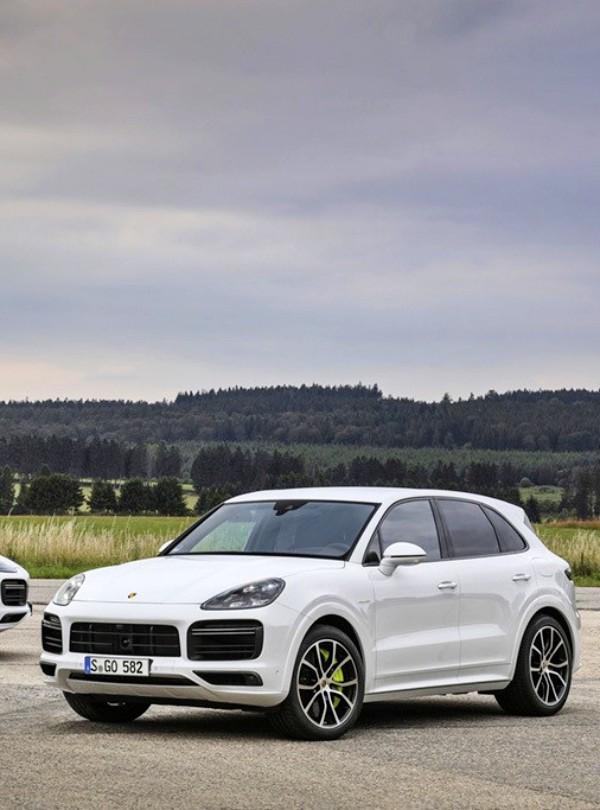 Porsche lanza una versión híbrida enchufable del Cayenne
