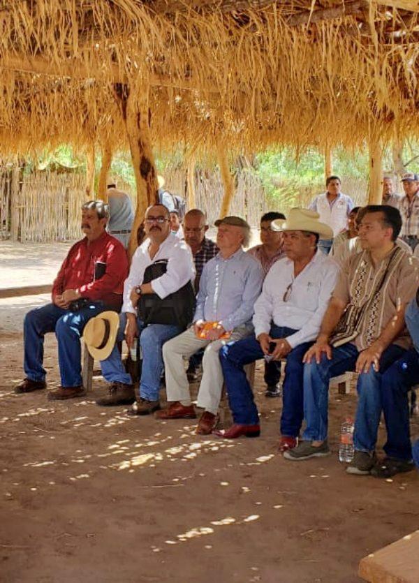 Toledo Manzur se reúne con los pueblos de la Tribu Yanqui para solucionar la operación del Acueducto de Independencia