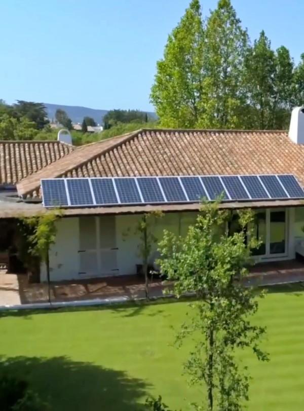 Autoconsumo y sostenibilidad, 'agua de mayo' para las casas de campo