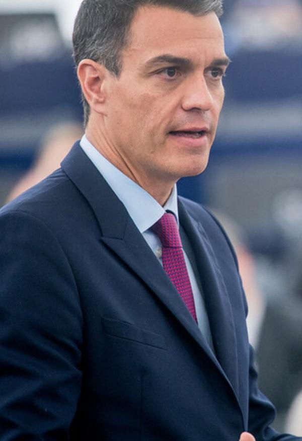 Pedro Sánchez afirma que sigue 'con preocupación' el transcurso del incendio de Canarias
